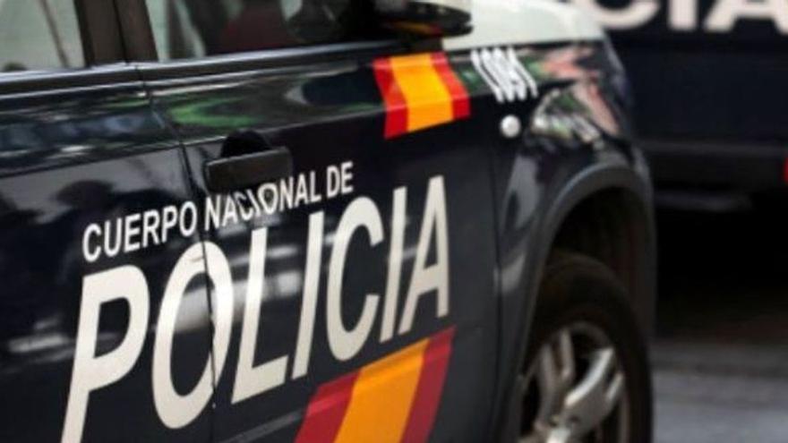 Detenido un hombre en Oviedo por dar una paliza en plena calle a una perra