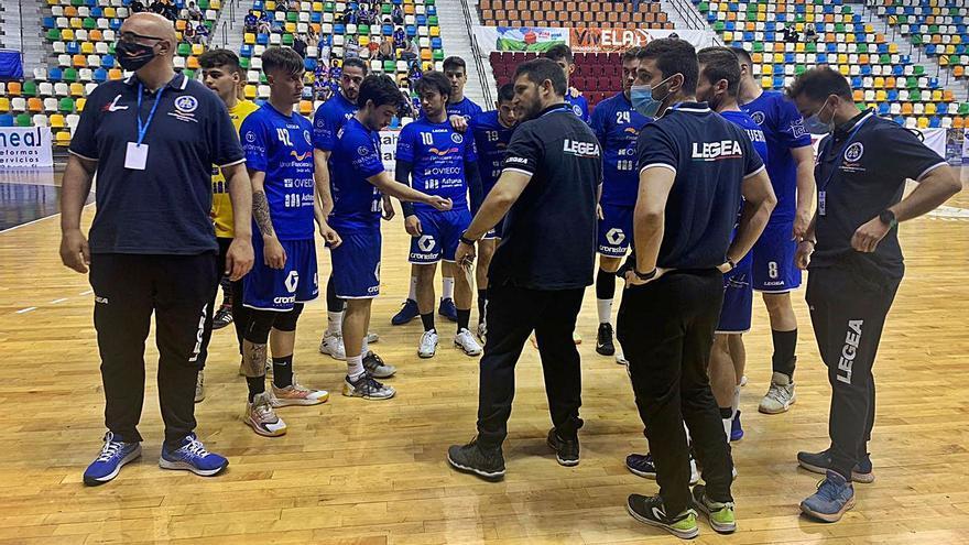 Toni Malla deja el banquillo del Unión Financieria de balonmano tras el intento de ascenso a División de Honor Plata