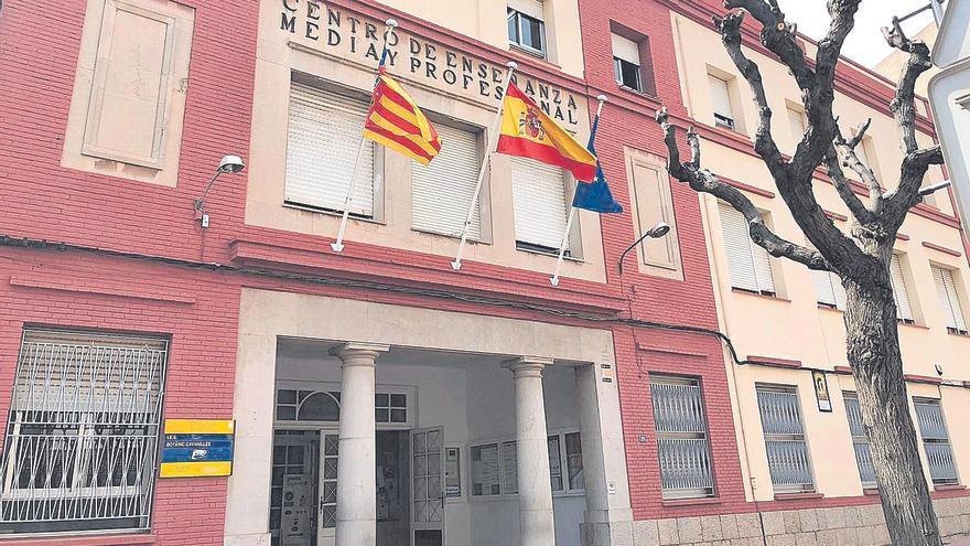 Se movilizan para conservar la fachada del IES Botànic de la Vall d'Uixó