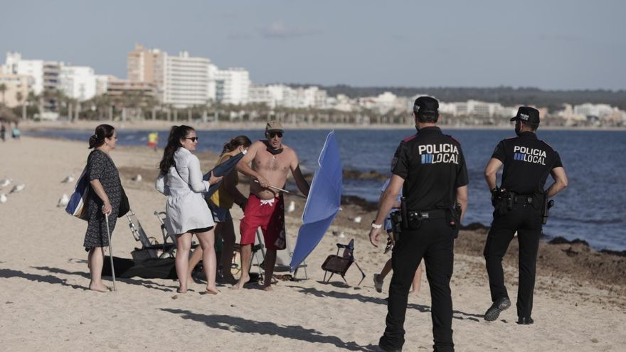 La Policía Local cierra las playas de Palma