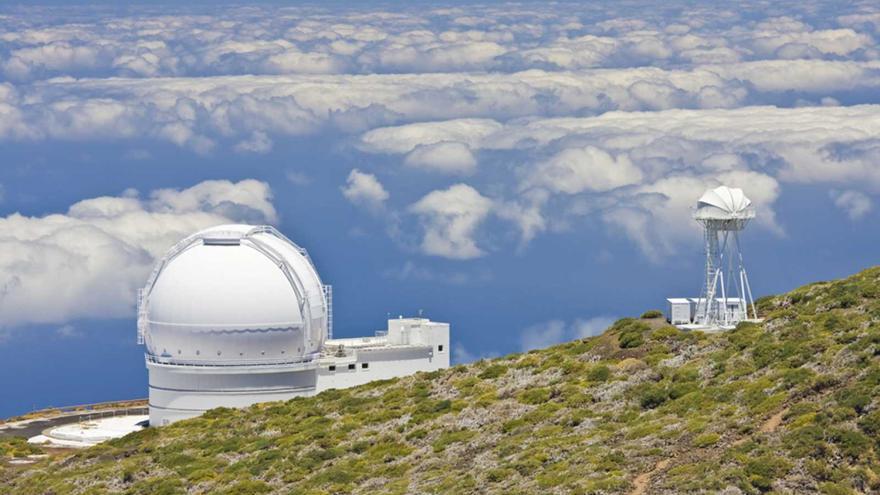 La ceniza del volcán provoca el cierre de los telescopios del IAC en La Palma