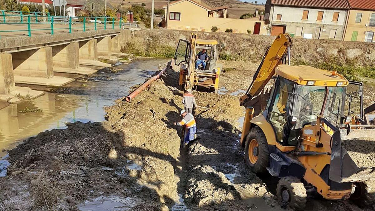 Abastecimiento soterrado bajo el Ahogaborricos en Paladinos