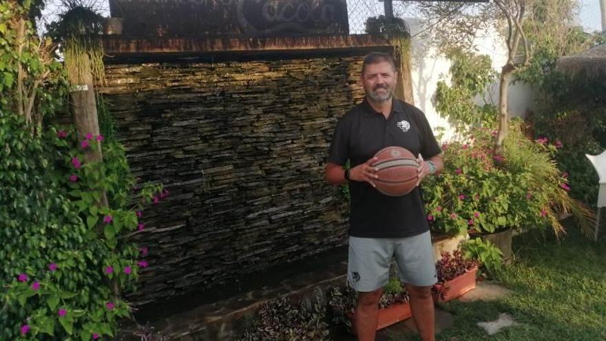 Fernando García asume el reto de dirigir al UCB