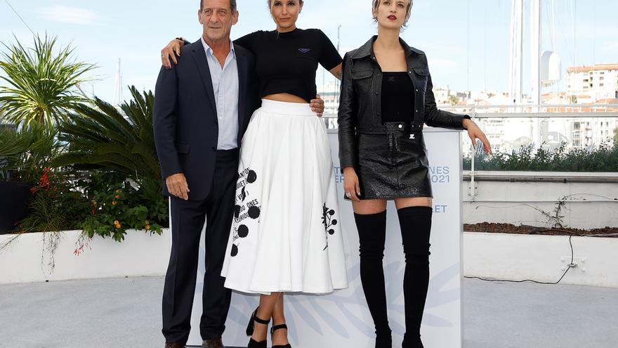 'Titane' aviva la polémica en Cannes al ritmo de la Macarena