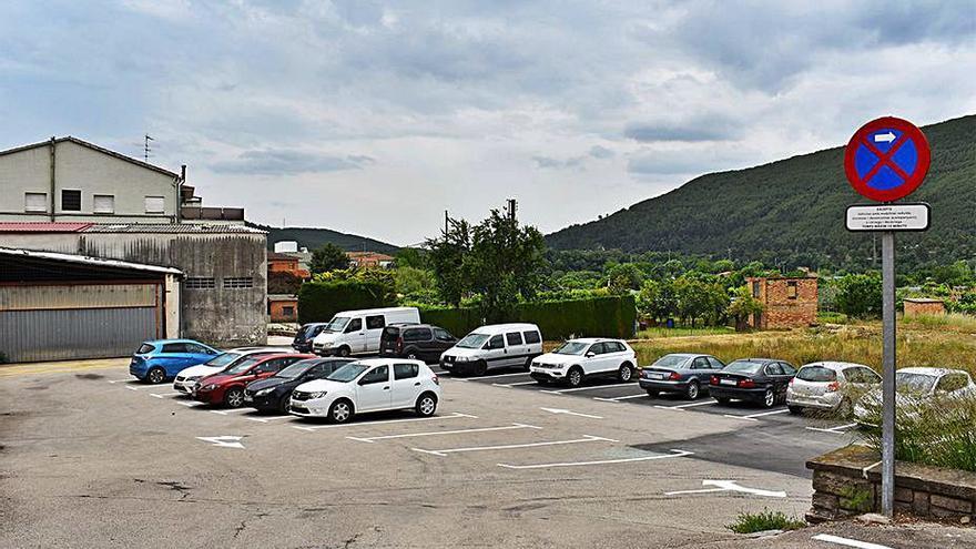 Súria adequa una trentena de noves places d'aparcament a Can Reguant