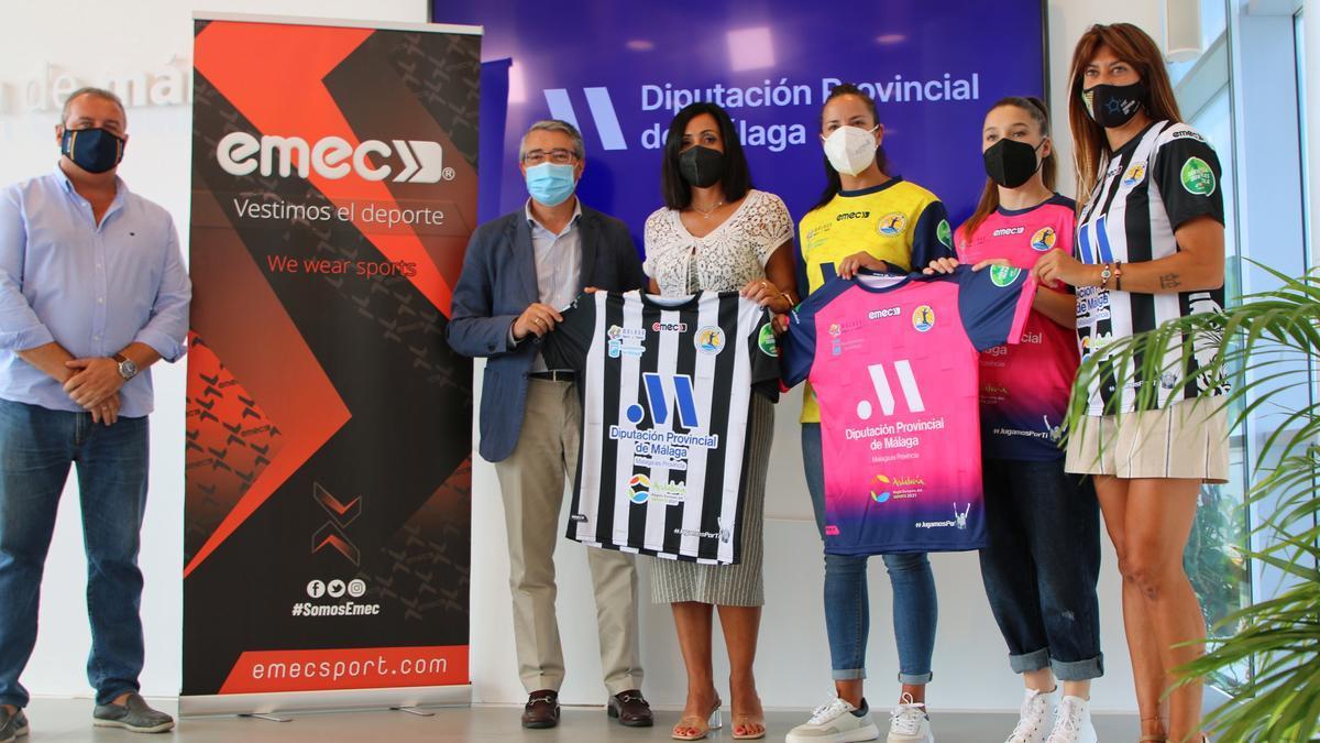 Presentación de las nuevas camisetas del Costa del Sol Málaga