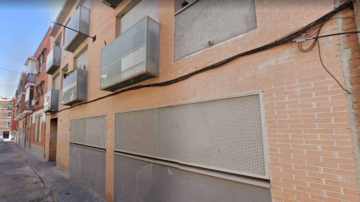 Apuñalado de gravedad un joven en una casa okupa de Madrid