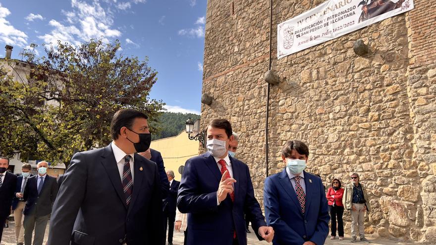Mañueco llama a defender las tradiciones como instrumento para impulsar la España del interior