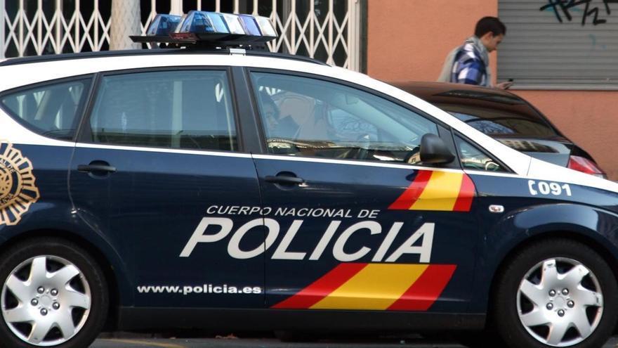 Detenidos dos jóvenes de 17 y 18 años tras romper la ventanilla de un coche para robar en la carretera Vizcaína