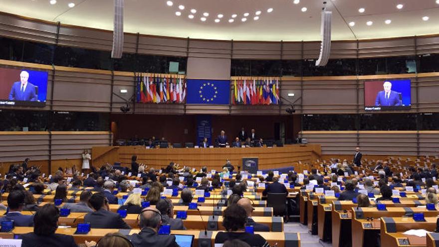 La UE anuncia mano dura contra la evasión fiscal de las plataformas web