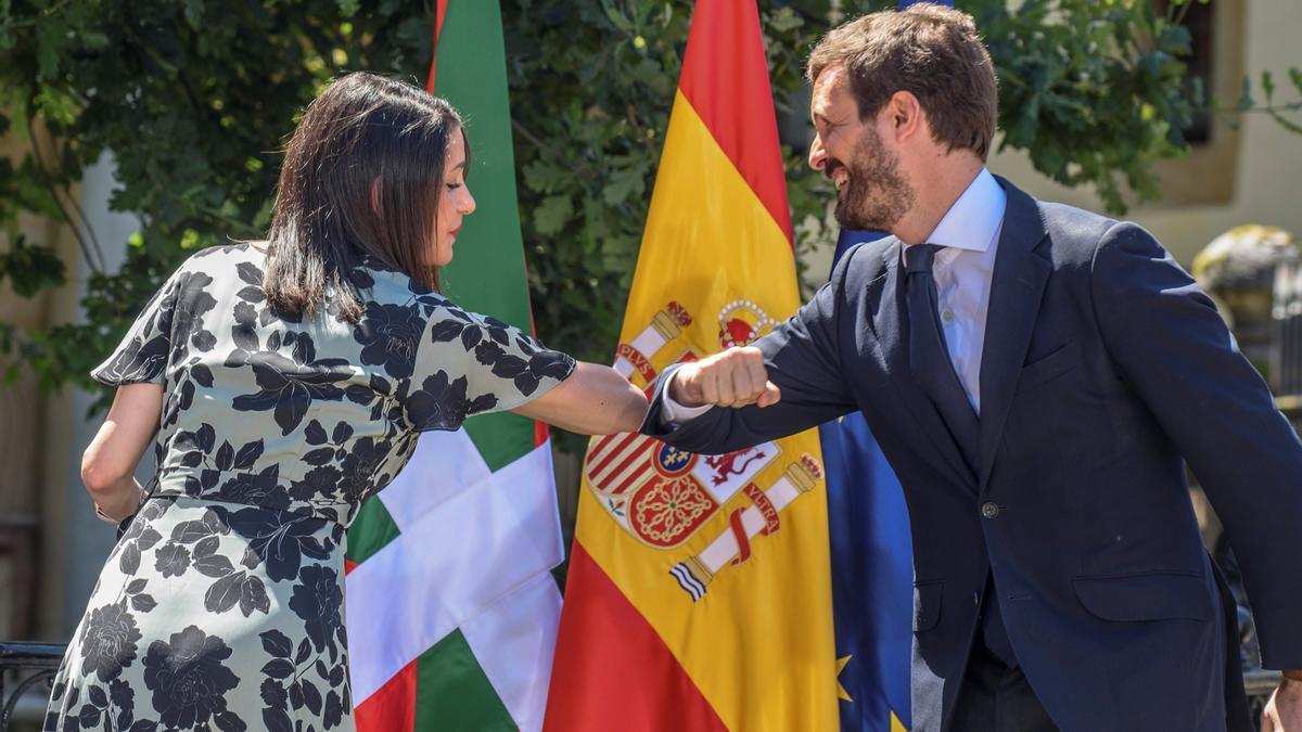 Una imagen de Inés Arrimadas y Pablo Casado.