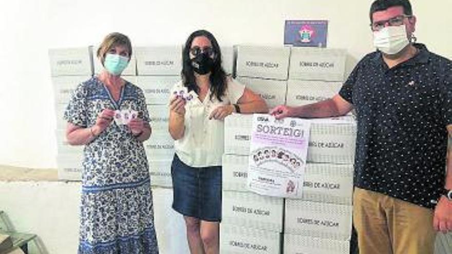 Mujeres referentes en los sobres de azúcar de los bares de Albaida