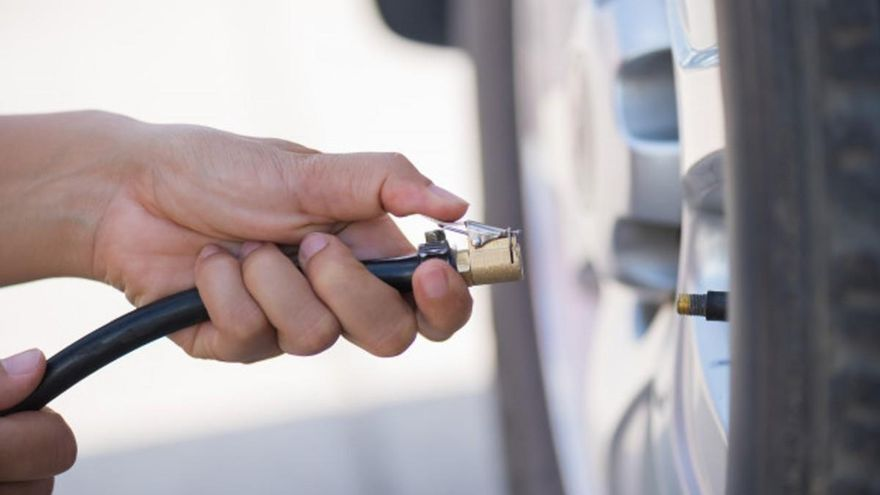 Neumáticos del coche: qué debes tener en cuenta antes de irte de vacaciones