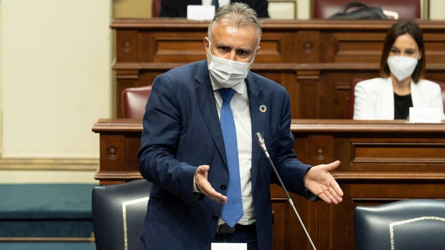 Canarias amenaza con 'revirarse' contra el Estado si pretende que toda la inmigración se quede en las islas
