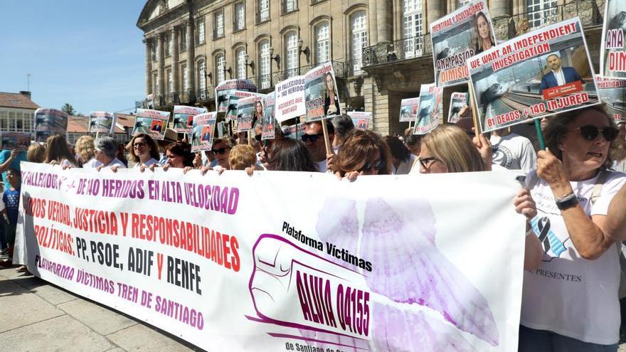 Víctimas de Angrois exigen a Sánchez una investigación independiente