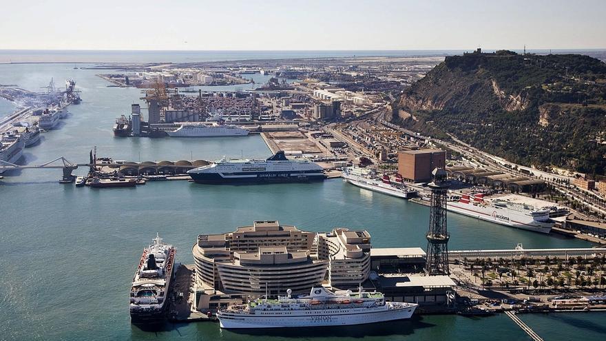 El Puerto de Barcelona sigue al de València y construirá otro muelle para contenedores