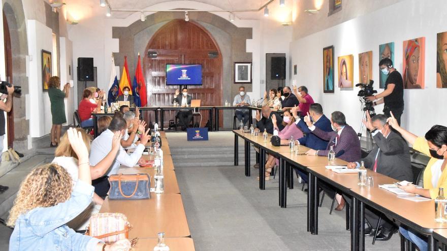 Héctor Suárez renuncia a la Alcaldía en una sesión plenaria