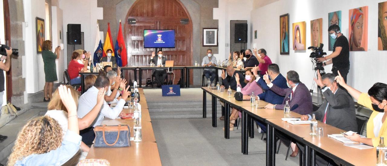 Sesión plenaria extraordinaria en la ermita de San Pedro Mártir