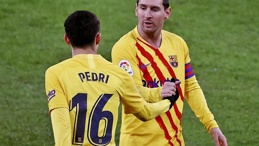 Pedri i Messi posen llum a la Catedral