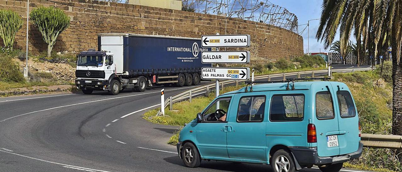 Tramo de la carretera entre Gáldar y Sardina del Norte.     ANDRÉS CRUZ