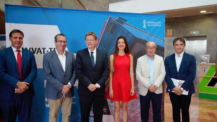 Nuevo choque por la tasa turística: Puig la rechaza y Oltra quiere estudiarla