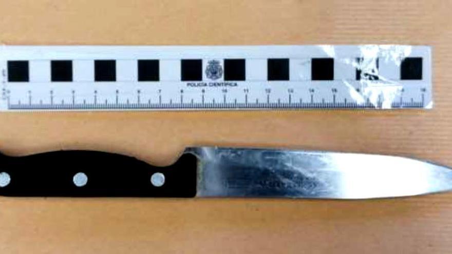 Detenida una joven en Santander por agredir a su hermano con un cuchillo y morder a un policía