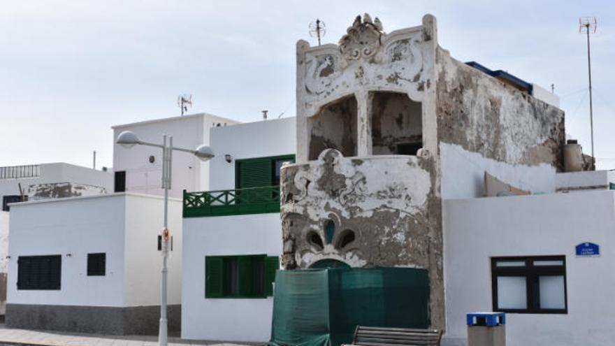 Admitida la demanda contra el obispo por el abandono de la casa modernista en Lanzarote