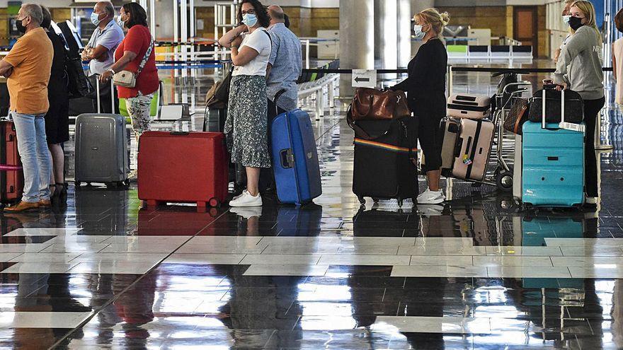 Canarias recibe 613.951 pasajeros internacionales en septiembre, un 44,2% menos que antes de la pandemia