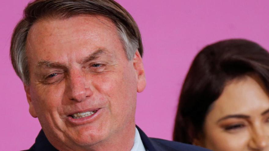 Facebook amplía el bloqueo de cuentas afines a Bolsonaro