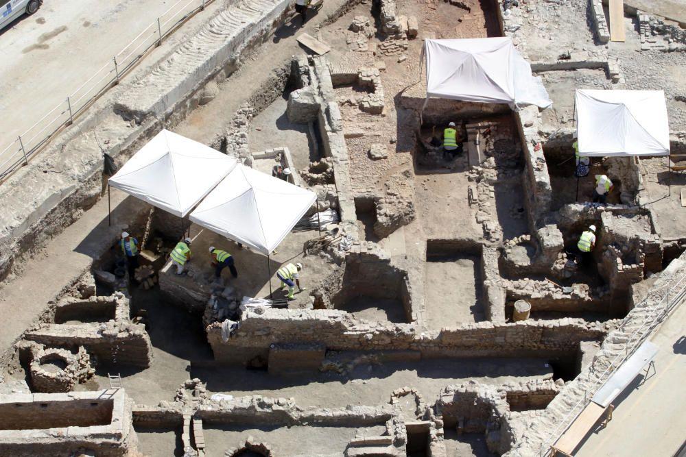 Arqueólogos avanzan en el entorno de la obra ...