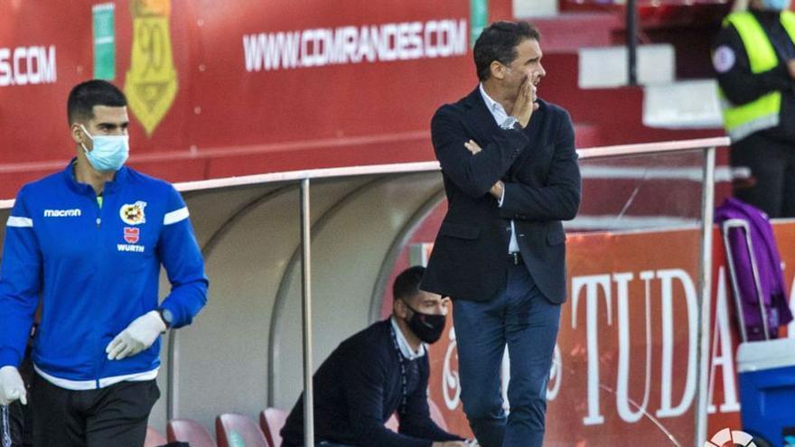 Luis García: «Hasta la expulsión hemos hecho méritos para ganar»