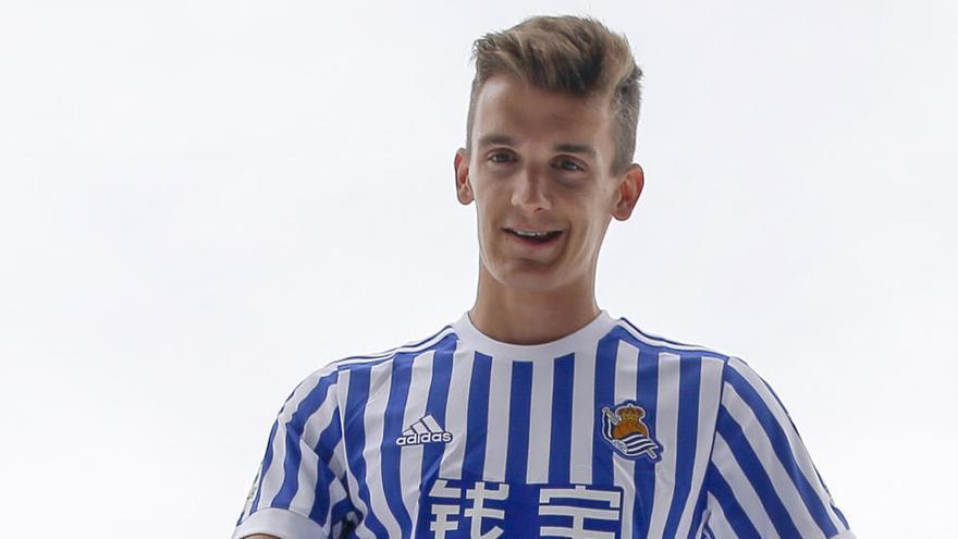 La Real Sociedad traspasa a Diego Llorente al Leeds United
