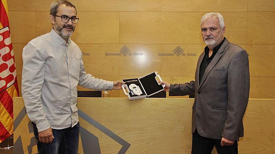 Girona incorpora un lector de xips per controlar les colònies de gats