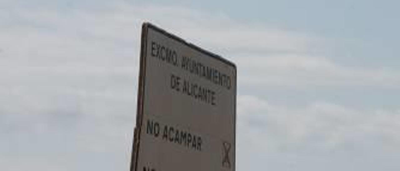 Caravanas en Agua Amarga.