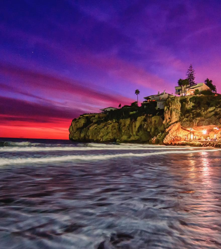 Rincón de la Victoria, el destino de vacaciones que lo tiene todo