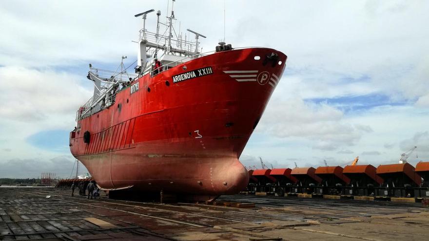 """Argentina impone una tasa """"solidaria"""" a las pesqueras"""