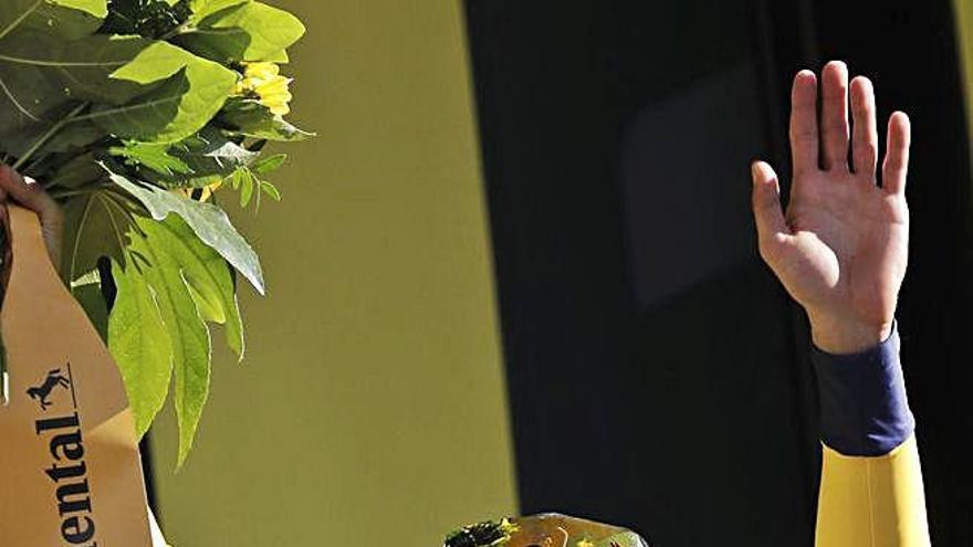 L'eslovè Roglic venç en el primer final en alt i referma la seva candidatura