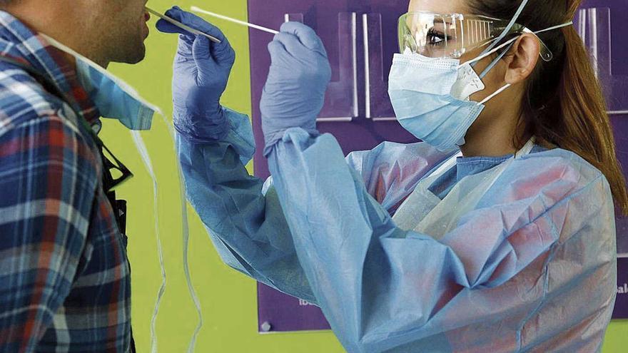Habilitan 4 puntos para PCR rápidas ante el colapso en los centros de salud
