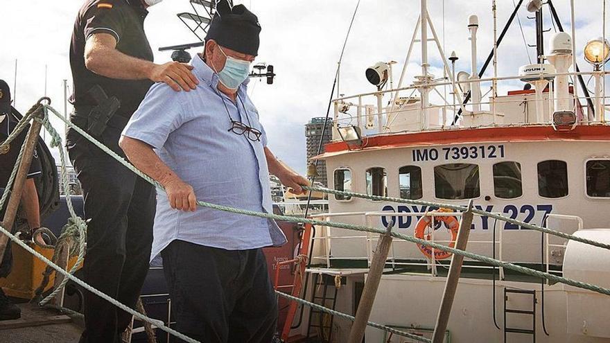 Un policía cae al mar en Fuerteventura en el asalto a un pesquero con 15.000 kilos de hachís