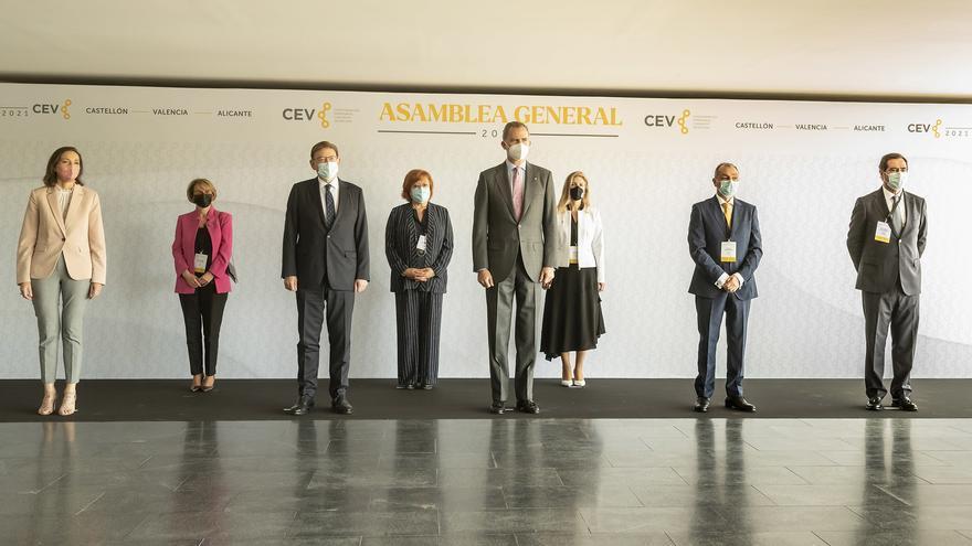 Felipe VI alaba la competitividad internacional del sector cerámico castellonense