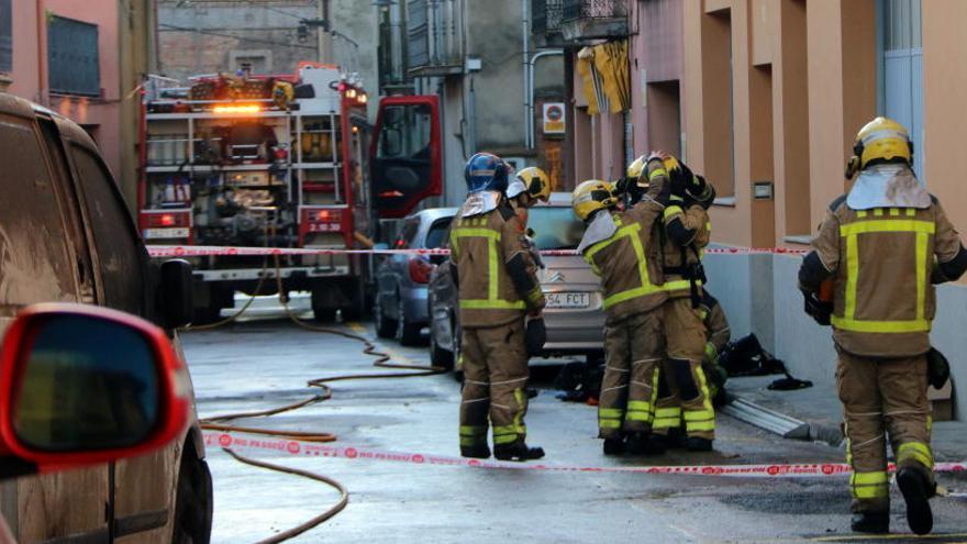 Un incendi crema una empresa d'elaboració d'embotits de Vilafant