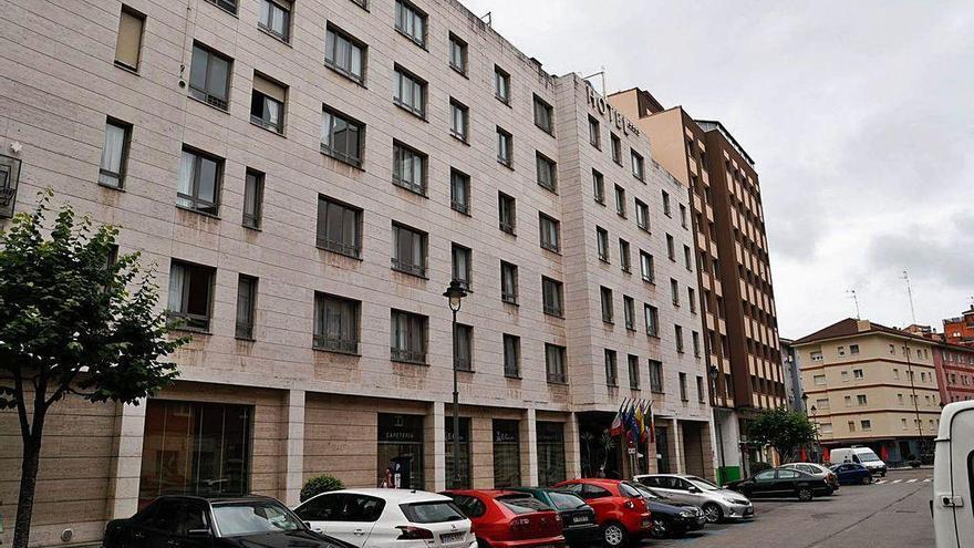 """El sector hotelero prevé una ocupación """"digna"""" en verano pese a la incertidumbre"""