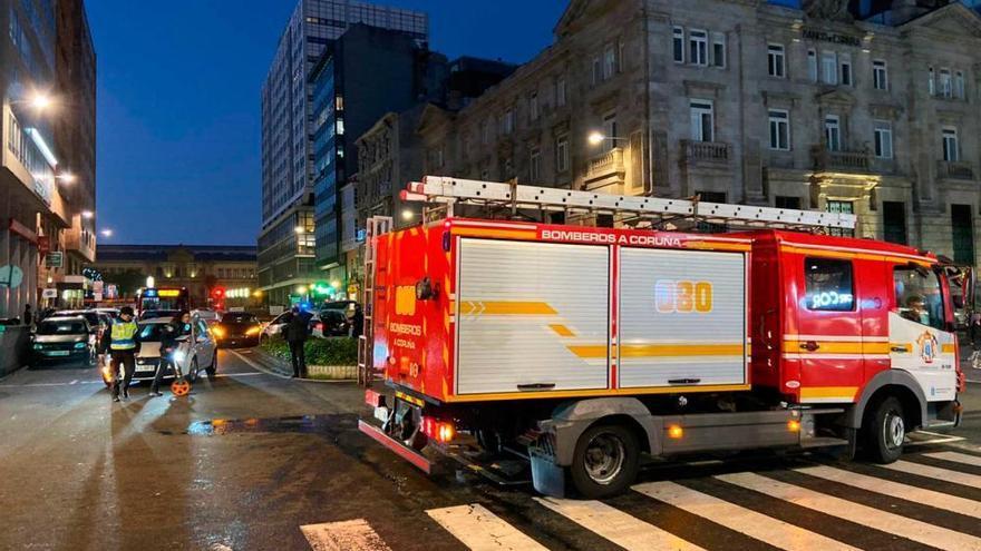 Un choque entre un turismo y una ambulancia deja cinco heridos leves en Juana de Vega