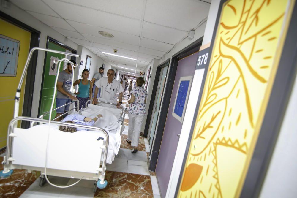 La UMH realiza pinturas en el Hopsital de Alicante