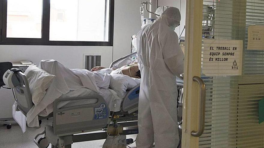 La velocitat de contagi es manté en 1,16 i el risc de rebrot en 52