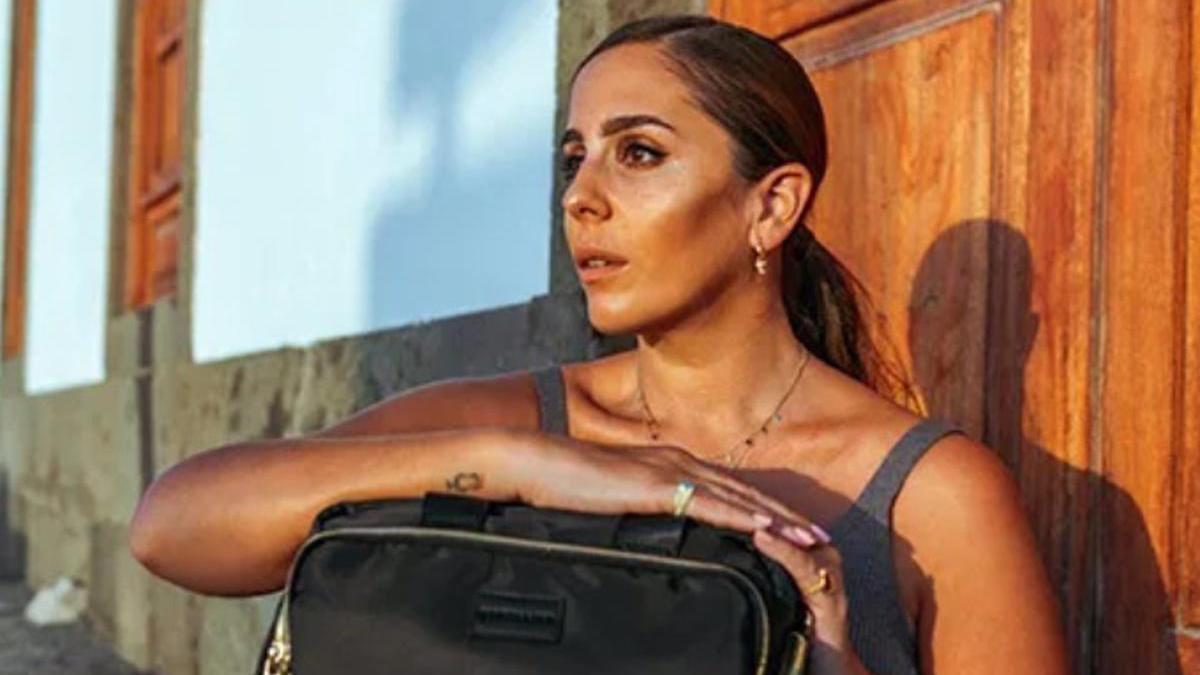 Anabel Pantoja ha lanzado su propia colección cápsula de bolsos.