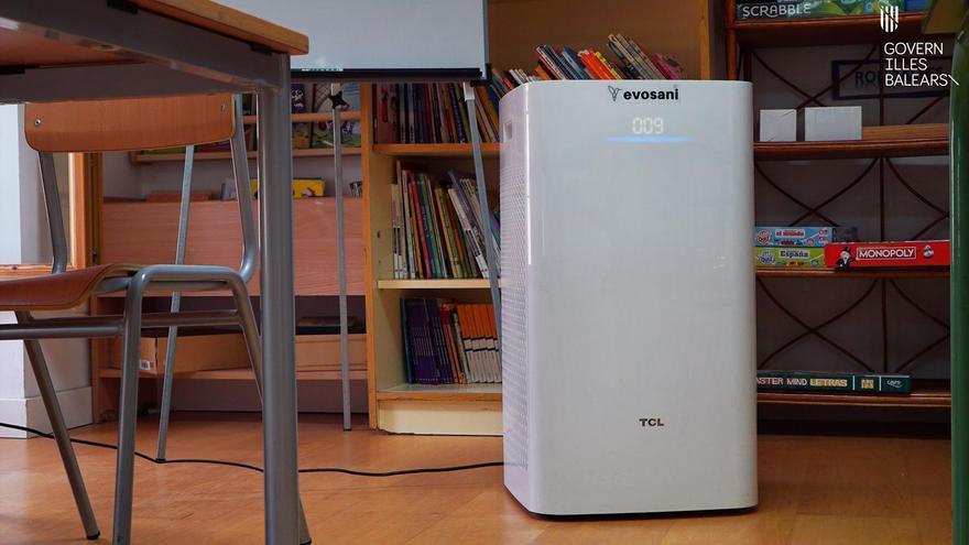 Instalan aparatos de control del aire en más de 400 centros educativos de Baleares para hacer frente al coronavirus