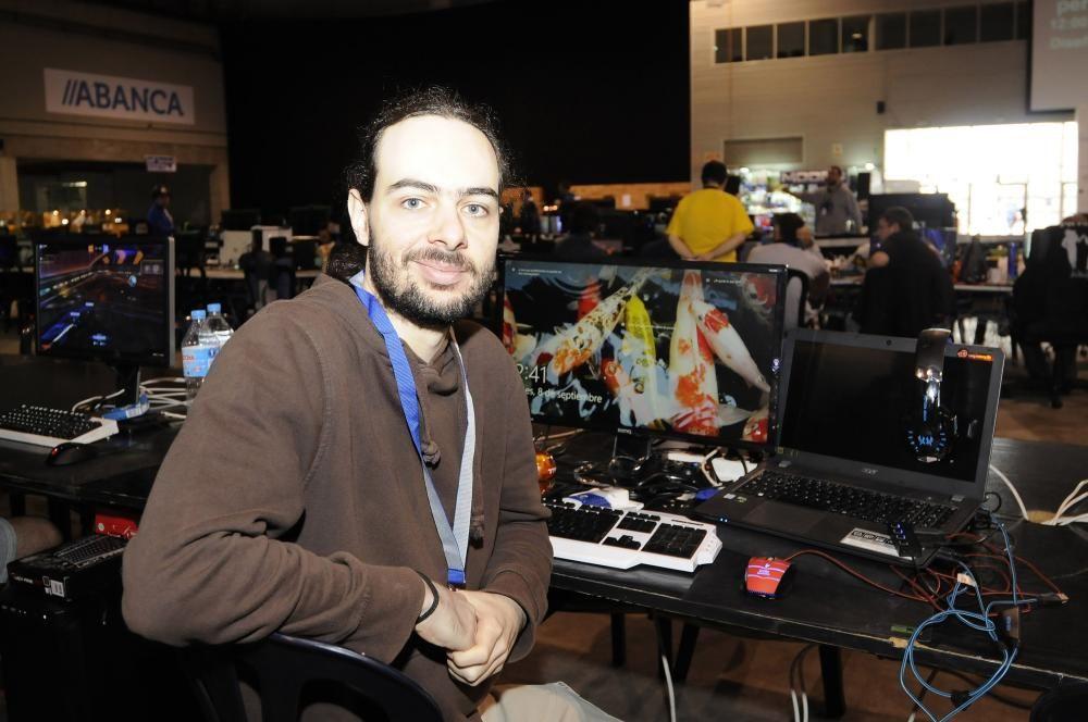 Este fin de semana tiene lugar en Silleda la ''LAN Party'' más grande de Galicia, en la que cientos de ''gamers'' jugarán y competirán juntos a distintos videojuegos.