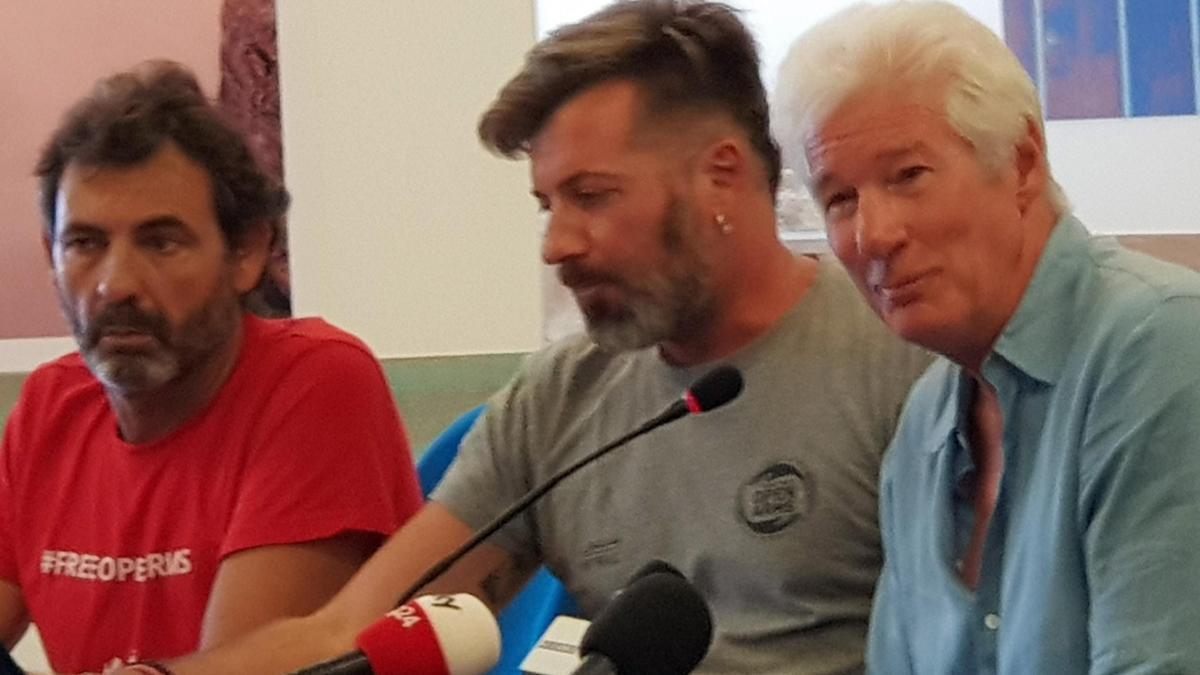 Richard Gere testificará en el juicio a Salvini por el caso Open Arms.