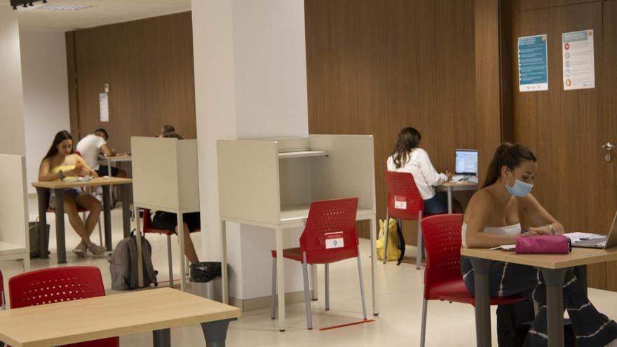 Las salas de estudio de Mislata acogen ya a los primeros usuarios